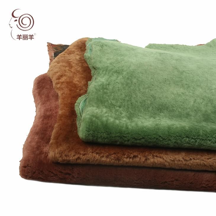 【羊丽羊】进口整张涂饰羊皮革 直毛羊剪绒 服装雪地靴用皮毛一体